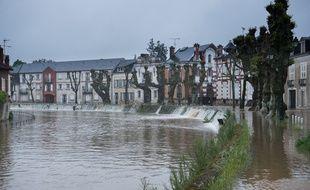 La ville de Montargis avait les pieds dans l'eau le 1er juin 2016 en raison de la crue exceptionnelle du Loing.