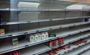 Un rayon de supermarché de Villiers-sur-Marne le 13 mars 2020.