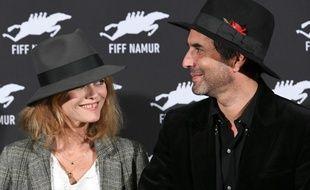 Vanessa Paradis et Samuel Benchetrit seraient sur le point de se passer la bague au doigt.