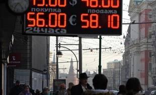 Un bureau de change à Moscou, le 10 novembre 2014