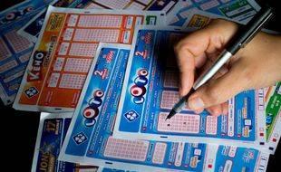 La loterie nationale, renommé Loto, a été créé en 1933 en soutien des «Gueules cassées» de la Première guerre mondiale