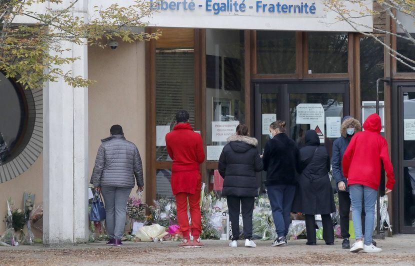 rencontre ado gay bars à Conflans-Sainte-Honorine