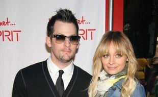 Joel Madden et sa femme Nicole Richie à Santa Monica, le 2 avril 2009.