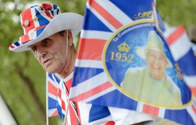 Les Britanniques fêtent en grande pompe les 60 ans de règne d'Elizabeth II à partir de samedi, premier jour de célébrations qui dureront quatre jours et culmineront avec une imposante parade nautique sur la Tamise dimanche.