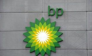 Le logo de BP, au siège du géant pétrolier à Aberdeen, en Ecosse, le 21 janvier 2015