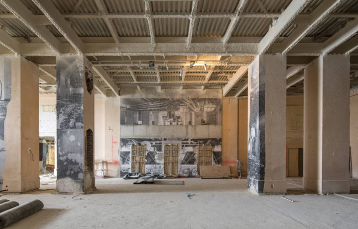 Photo du chantier du musée de l'Homme, entrée du musée.  – P. Tourneboeuf
