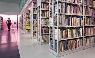 Le personnel de la bibliothèque François-Truffaut réclame une prime plus importante.