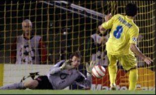 Le meilleur joueur de Villarreal, l'Argentin Juan Roman Riquelme, a vu son penalty repoussé par le gardien Jens Lehmann à la dernière minute du temps réglementaire, un échec empêchant son équipe d'avoir droit à la prolongation.