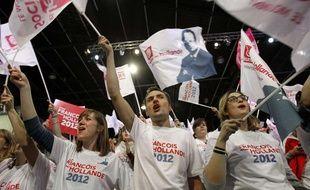 Les militants pro-Hollande lors du meeting du candidat socialiste à la présidentielle au Bourget, le 22 janvier 2012.