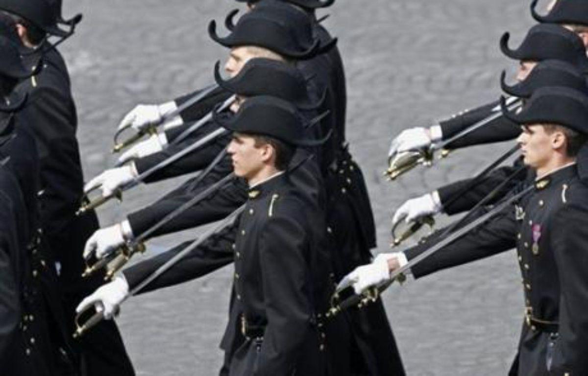 """Il faut ouvrir aux minorités """"les lieux où se forme l'élite"""" en favorisant leur accès aux grandes écoles, un objectif qui passe par une réhabilitation du statut de boursier hérité de la IIIe République, a déclaré mercredi Nicolas Sarkozy à l'Ecole polytechnique. – Clemens Bilan AFP/Archives"""