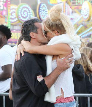 "Nicollette Sheridan et son ""boyfriend"", le 4 septembre, à Malibu."