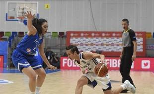 Céline Dumerc et les Bleues ont battu la Grèce lors de l'Eurobasket en République Tchèque, le 19 juin 2017.