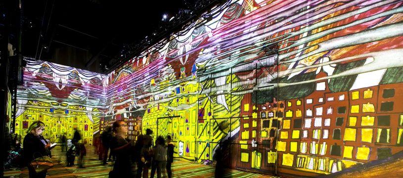 L'Atelier des lumières consacre sa première exposition à Gustav Klimt.