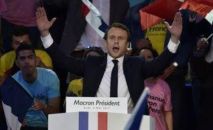 Emmanuel Macron livre son dernier meeting, avant les résultats de l'élection présidentielle, le 4 mai 2017 à Albi.
