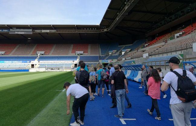 Sur leur parcours, des cyclistes en herbe ont eu la chance de visiter le stade de la Meinau et ses recoins lors de cours donnés à des adultes à Strasbourg.