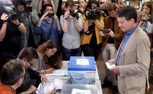 Manuel Valls, candidat  à l'élection municipale à Barcelone a voté le 26 mai 2019.