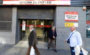 """""""60% des travailleurs espagnols n'arrivent pas à 1.000 euros par mois"""", expliquait récemment à l'AFP Paloma Lopez, secrétaire à l'emploi du syndicat CCOO, et """"les difficultés sont importantes car il faut continuer à rembourser le prêt immobilier"""" malgré tout."""