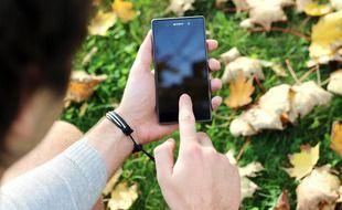 La justice a récemment confisqué le téléphone d'un collégien amiénois de 13 ans, qui avait proféré des menaces à caractère homophobe sur les réseaux sociaux à l'encontre d'un autre adolescent.