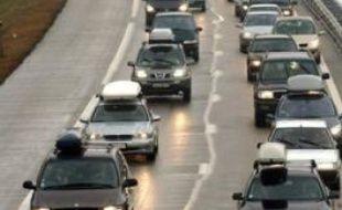 Le trafic routier était fluide samedi à 18h00 en Rhône-Alpes, à l'issue d'une journée de chassé-croisé des vacances d'hiver, classée noire dans le sens des départs et rouge dans le sens des retours, a-t-on appris auprès du Centre régional d'information routière (CRICR).