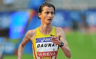 Christelle Daunay sur 5 000 m au stade Charléty lors d'un meeting.
