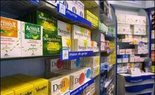 """A partir de mercredi, 152 médicaments au Service médical rendu (SMR) """"insuffisant"""" - expectorants, fluidifiants bronchitiques, antidiarrhéiques - ne seront plus remboursés par la Sécurité sociale, une mesure qui devrait permettre d'économiser 305 M d'euros en année pleine."""