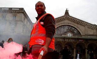 Grèves en France: La SNCF et les Universités bloquées