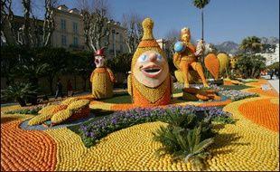 """Plus de 200.000 visiteurs sont attendus jusqu'au 26 février à la 73e """"Fête du citron"""" de Menton dont les cortèges et les décors, uniquement composés d'agrumes, illustreront cette année le thème des """"carnavals du monde""""."""