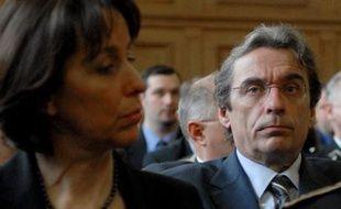 Fabienne Keller, l'actuelle maire UMP de Strasbourg, est menacée par l'ex-maire Roland Ries (PS).