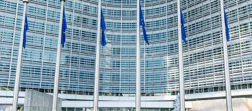 La Commission européenne a sensiblement relevé ses prévisions de croissance 2021 et 2022 pour la zone euro.