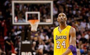 Les Lakers de Los Angeles, battus dimanche par les Pacers d'Indiana (98-96), une des équipes surprises de ce début de saison NBA, ont encaissé leur troisième défaite d'affilée.