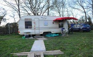 Les caravanes situées dans le hameau où a été arrêté le suspect, jeudi à Arthon-en-Retz, ont été placées sous scellés.