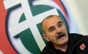 """Istvan Meszaros, leader de la """"Nouvelle garde hongroise"""" et candidat de l'extrême droite dimanche en Hongrie, photographié le 24 mars 2014"""