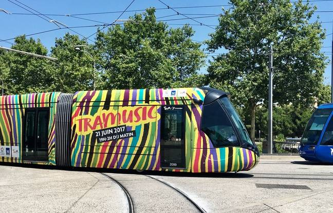 La fête de la musique dans le tramway, à Montpellier.