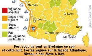 Carte de Météo France du 4 février 2014 localisant les départements en vigilance orange du fait d'un coup de vent et de fortes vagues sur la façade Atlantique.