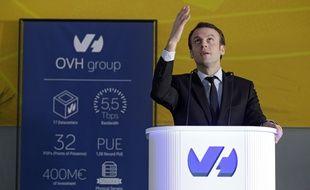 Le ministre de l'Economie, Emmanuel Macron, a visité le Campus d'OVH, à Roubaix.