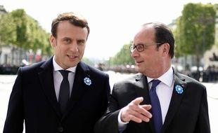 Emmanuel Macron et François Hollande le 8 mai 2017 à Paris.