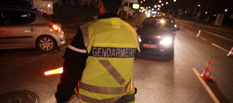 Photo d'illustration d'un gendarme la nuit.