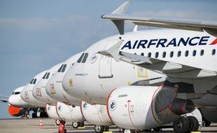 Des appareils d'Air France à Roissy, durant le confinement.