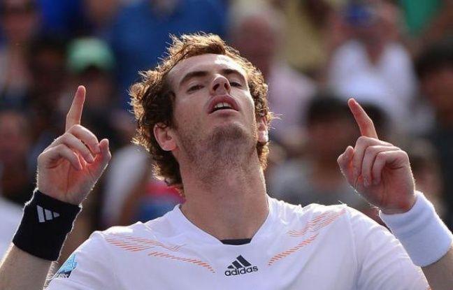 Andy Murray, tête de série N.3, s'est qualifié samedi pour sa deuxième finale de l'US Open et sa cinquième finale en Grand Chelem en dominant le Tchèque Tomas Berdych (N.6) 5-7, 6-2, 6-1, 7-6 (9/7).