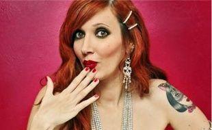 Miss Glitter Painkiller a des atouts pour réussir dans le burlesque.