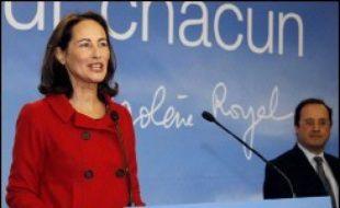 """La socialiste Ségolène Royal a annoncé jeudi qu'en cas de victoire à la présidentielle, son """"premier combat sera pour les familles"""" avec un vaste plan pour le logement, dans des voeux aux Français qui ont pris l'ampleur d'un discours-programme."""