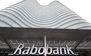 La banque néerlandaise Rabobank a été rattrapée à son tour par le scandale de la manipulation du taux d'intérêt Libor : elle doit payer 774 millions d'euros d'amendes dans trois pays et son directeur général démissionne.