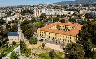 Le Cloitre, lieu entrepreneuriat social, sur les hauteurs des quartiers Nord à Marseille.