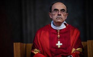 Le cardinal Barbarin, ici le 28 juin lors de sa dernière messe lyonnaise dans la cathédrale Saint-Jean.
