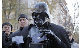 Dark Vador, ou Viktor Shevchenko, refoulé des élections législatives en Ukraine, le 26 octobre 2014.