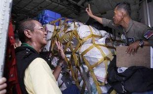 Après avoir refusé toute aide étrangère, le gouvernement birman a progressivement ouvert le delta de l'Irrawaddy aux humanitaires étrangers à la suite d'une visite en Birmanie, la semaine dernière, du secrétaire général de l'ONU Ban Ki-Moon.