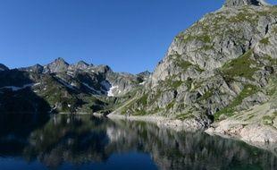 Vue sur la vallée d'Ossau dans les Pyrénées Atlantiques.
