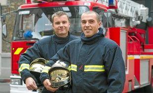 Ces deux sapeurs-pompiers de Port-Royal (14e) regrettent les appels abusifs.