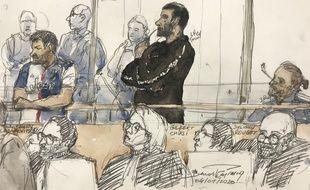 Anthony Lasarevitsch (gauche) et Gilbert Chikli (centre) sont jugés pour s'être fait passé pour Jean-Yves Le Drian.