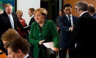 """Se sentant victimes d'une stricte politique d'austérité """"imposée"""" par l'Allemagne sans qu'ils puissent la contester, beaucoup en Europe du Sud s'inquiètent d'une probable réélection dimanche d'Angela Merkel même si l'espoir d'un assouplissement existe aussi."""